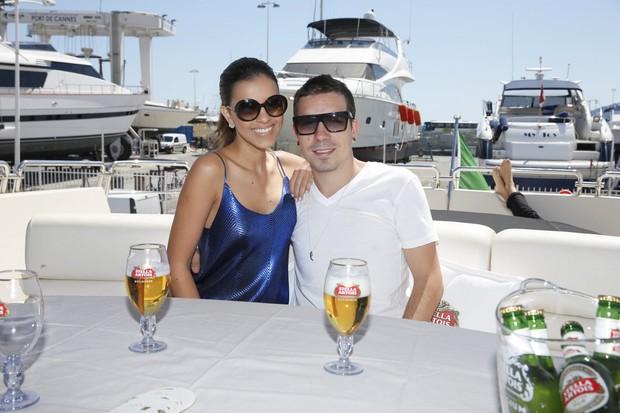 Mariana Rios e Di Ferrero em Cannes (Foto: Felipe Panfili / AgNews)