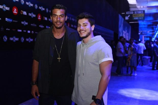 Marcello Melo Jr. e Arthur Aguiar (Foto: Anderson Barros / EGO)