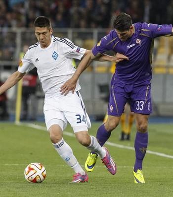 Khacheridi e Mario Gómez - Dínamo de Kiev x Fiorentina (Foto: EFE)
