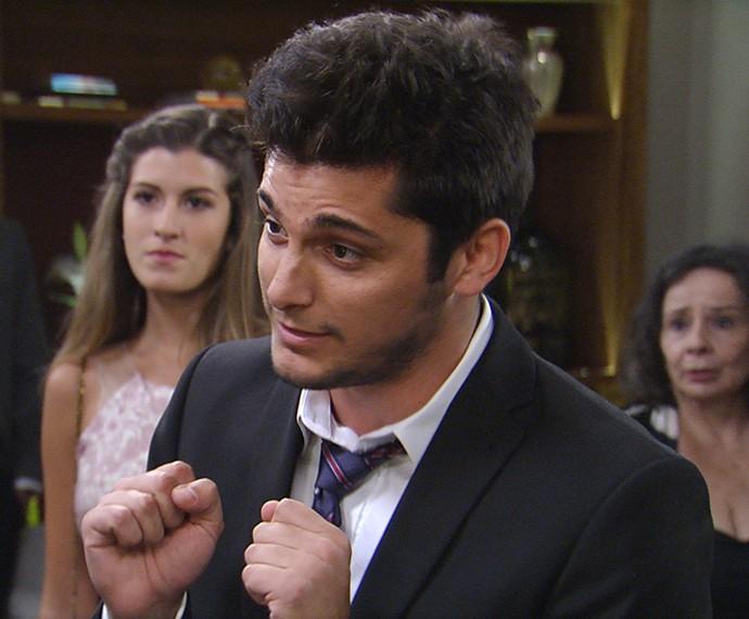 Guto invade a cerimônia bêbado (Foto: TV Globo)