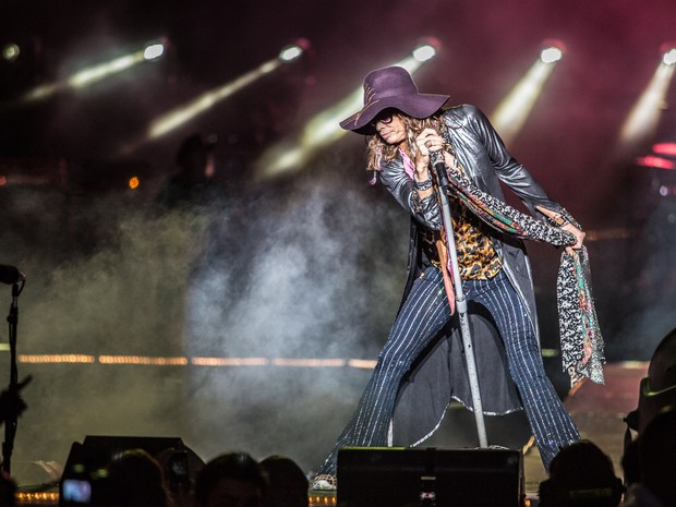 Steven Tyler, vocalista do Aerosmith, no 2º dia do festival Monsters of Rock, em SP. (Foto: Raul Zito/G1)