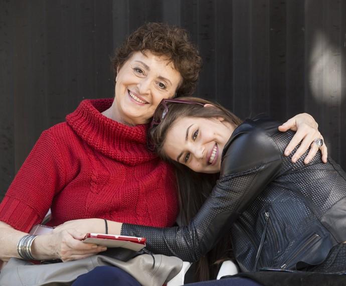 Ana Lucia Torre e Camila Queiroz: lindas demais! (Foto: Felipe Monteiro/Gshow)