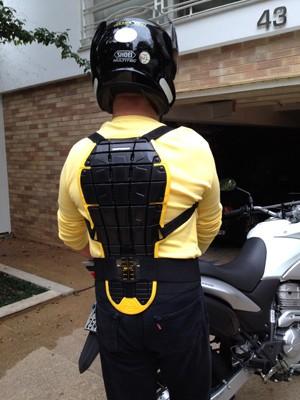 Protetor de coluna para motociclistas