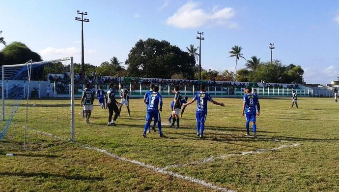 Confiança fez amistoso com Boquinhense (Foto: João Áquila/GloboEsporte.com)