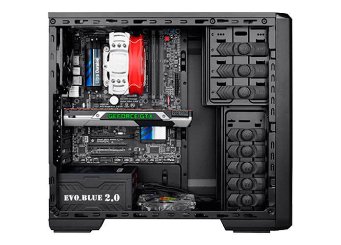Tipo mid tower oferece menor quantidade de espaço interno, algo que pode limitar as opções de montagem do PC (Foto: Divulgação/ThermalTake)