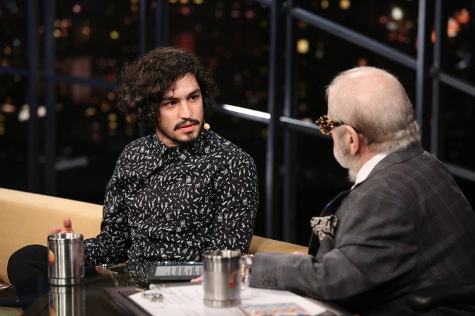 Jô Soares entrevista o ator Gabriel Leone no 'Programa do Jô' (Foto: Carol Caminha/Gshow)
