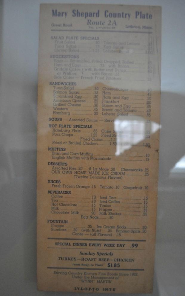 Achados incluem cardápio de restaurante dos anos 60 (Foto: Reprodução)