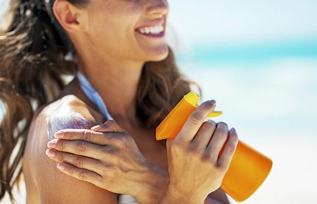 Protetor solar é essencial para se proteger (Foto: Reprodução / Pinterest)