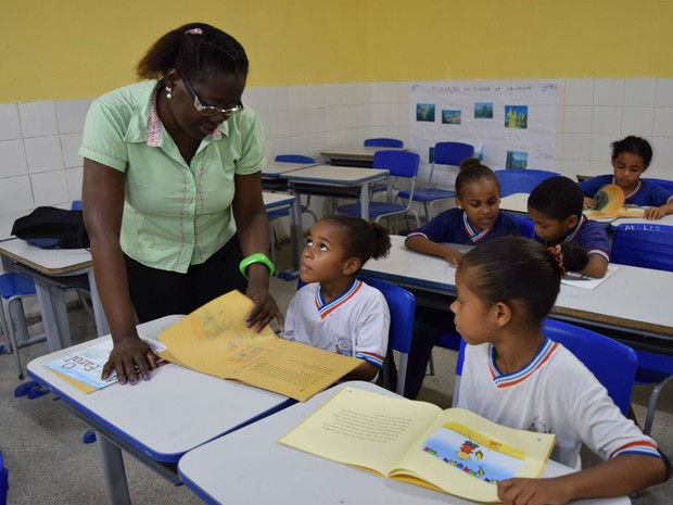 Promoção gera um impacto mensal de R$7.996.494,00 na folha de pagamento do Estado (Foto: Divulgação / Secretaria da Educação )