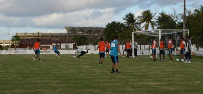 treino do botafogo-pb, botafogo-pb, bota-pb, Maravilha do Contorno (Foto: Lucas Barros / GloboEsporte.com/pb)