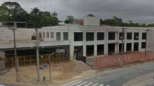 Imagem do Google Street View que está no laudo da PF sobre imóvel que a Odebrech teria comprado para nova sede do Instituto Lula (Foto: Reprodução/Google Street View)