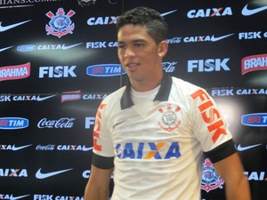 Luciano apresentação Corinthians (Foto: Diego Ribeiro)