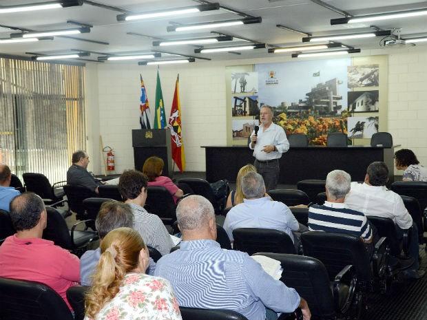 Audiência pública foi realizada no Salão de Vidro da Prefeitura de Sorocaba (Foto: Assis Cavalcante)