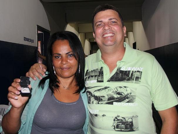 Gessicleide da Silva Freitas e Antenor de Mendonça Freitas aproveitaram a Ação Global para casar (Foto: Divulgação/Alessandra de Paula)
