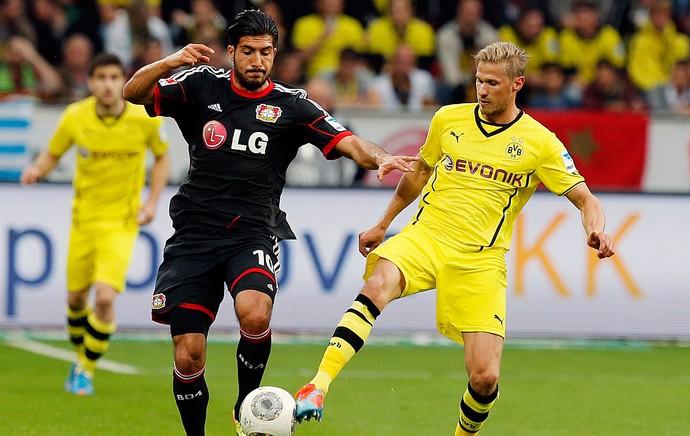 Emre Can Leverkusen e Olivier Kirch Borussia Dortmund (Foto: Agência AP)