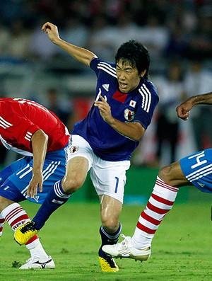 Shinji Kagawa na partida do Japão contra o Paraguai (Foto: Reuters)