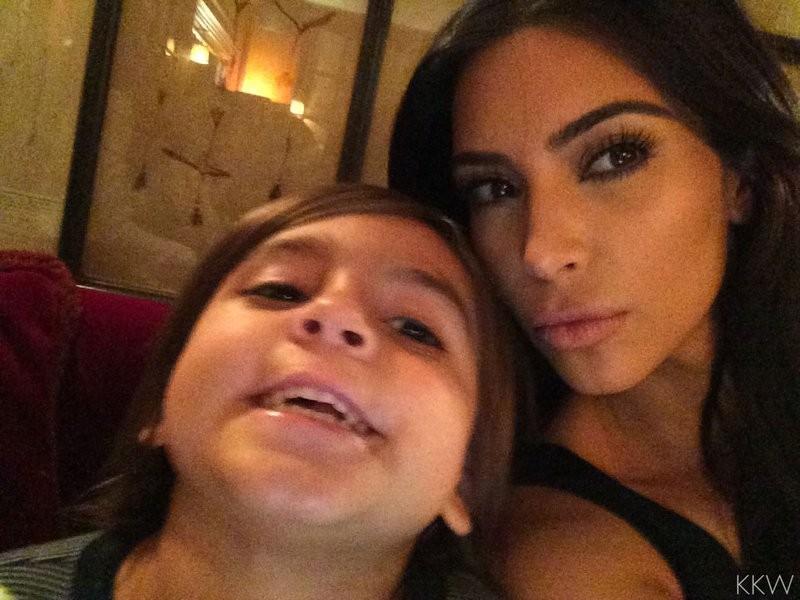 Kim Kardashian e Mason Disick (Foto: Reprodução)