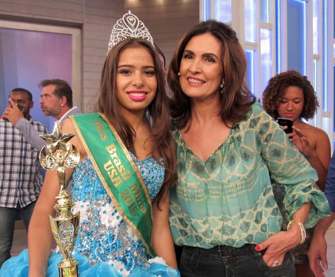 Fátima com a miss que participou do programa  (Foto: Priscilla Massena/Gshow)