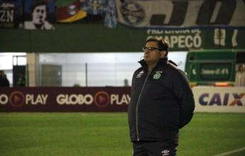 Guto Ferreira chega a acordo com Bahia e deixa o comando da Chape