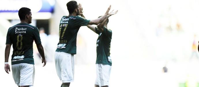 Leandro Pereira comemora Palmeiras x Shandong (Foto: Marcos Ribolli)