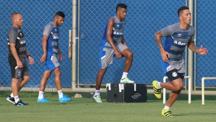 Lucas Barrios treino físico Grêmio (Foto: Eduardo Moura/GloboEsporte.com)