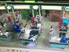 Vídeo mostra ação de criminosos durante assalto em supermercado