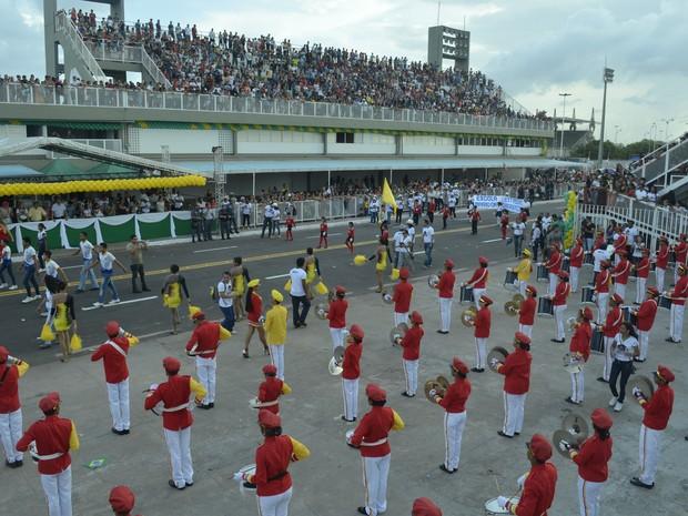 Mais de 2,5 alunos desfilaram no dia 13 de setembro, em Macapá (Foto: Abinoan Santiago/G1)