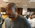 """Aldo rebate Holloway: """"É só passar na Praia do Flamengo, que eu estou lá"""""""