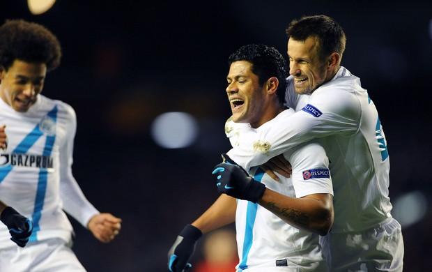 Hulk comemora gol do Zenit (Foto: EFE)