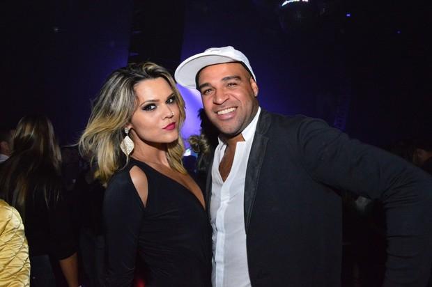 Marcela Moura e Adriano (Foto: Rodrigo Mesquita / Divulgação)