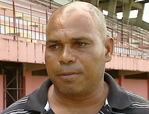 Mauro Soares, técnico da Desportiva Ferroviária (Foto: Reprodução/TV Gazeta)