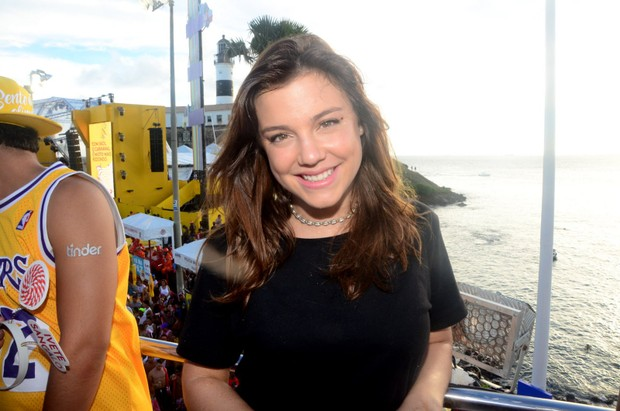 Alice Wegmann no trio de Ivete Sangalo, em Salvador (Foto: Eduardo Martins / AgNews)