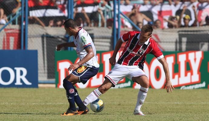 Rafael Toloi - Penapolense x São Paulo (Foto: Rubens Chiri / saopaulofc.net)