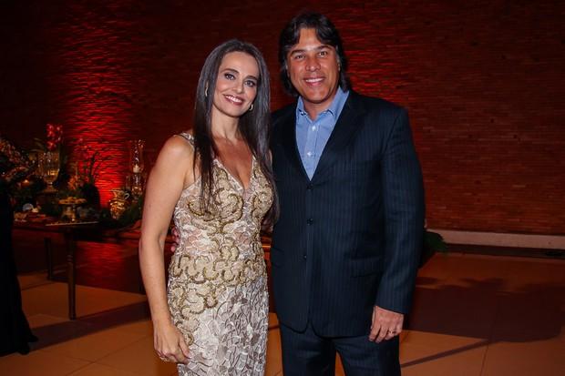 Carla Vilhena e o marido (Foto: Manuela Scarpa/Brazil News)