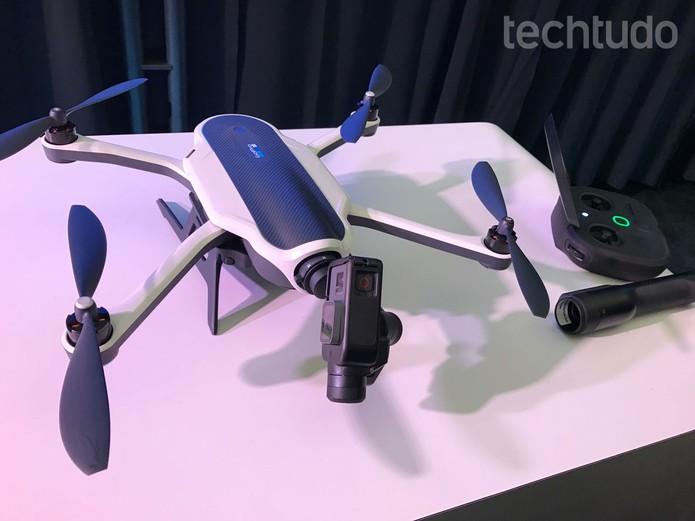 Drone Karma é dobrável e tem design mais compacto (Foto: Anna Kellen Bull/TechTudo)