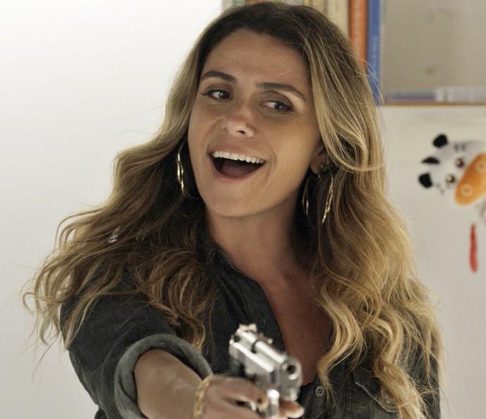 Atena faz pouco caso das ameaças de Tóia (Foto: TV Globo)