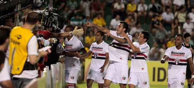 Rhodolfo gol São Paulo (Foto: Fernando Calzzani / Ag. Estado)