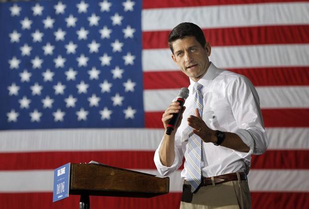 Paul Ryan em evento de campanha em Ohio neste domingo (4) (Foto: Mary Altaffer/AP)