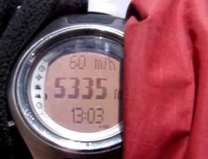 relógio de edmilson fonseca mostra altitude no aconcágua (Foto: Arquivo Pessoal / Edmilson Fonseca)
