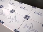 Aérea usa mil azulejos pintados a mão em animação de segurança
