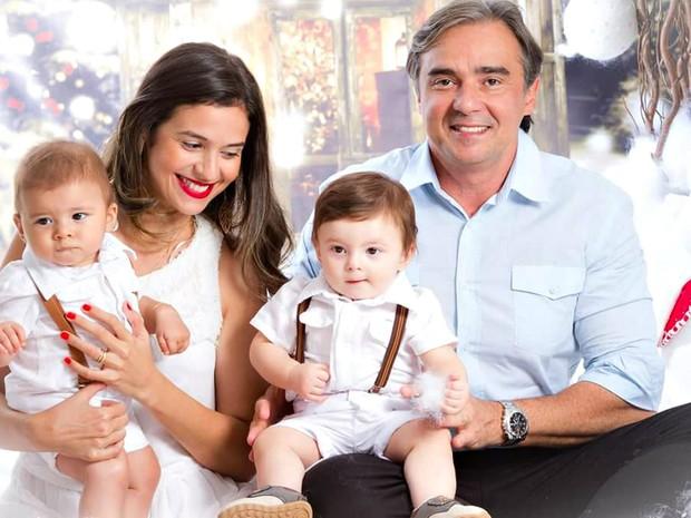 Dina engravidou de gêmeos após se submeter ao tratamento de reprodução assistida (Foto: Divulgação/Arquivo Pessoal)
