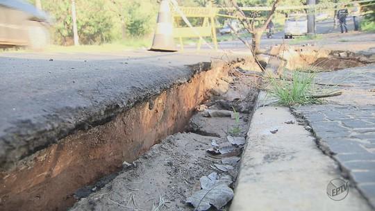 Erosão em estrutura de ponte preocupa moradores em bairro de Araras, SP