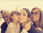 Ticiane Pinheiro mostra encontro de gerações e posa em família
