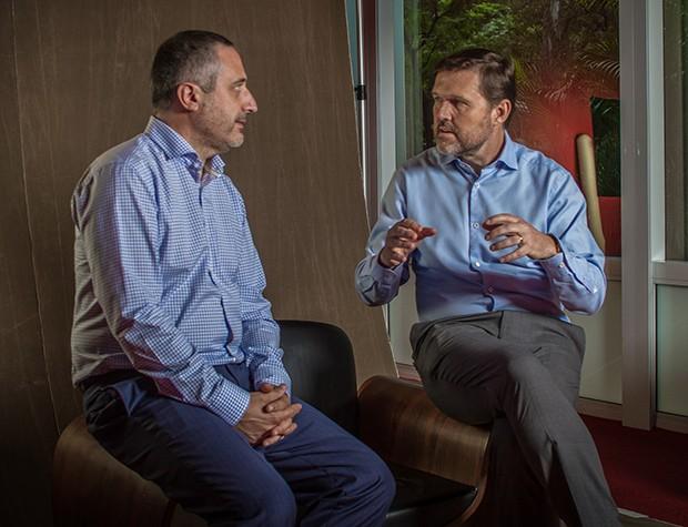 QUEM INOVA Quando o assunto é inovação, Hoenger e Gil não falam de pesquisa, educação ou ciência. Falam de pessoas (Foto: Rogério Albuquerque)
