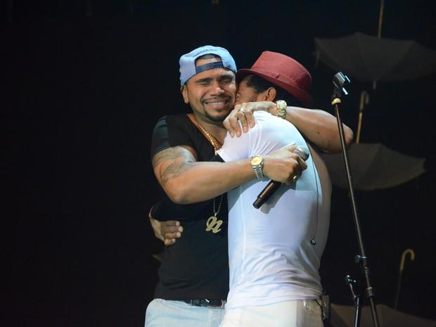 Naldo canta com Thalles Roberto em casa de shows na Barra da Tijuca, Zona Oeste do Rio (Foto: Bruno Henrique/ Divulgação)