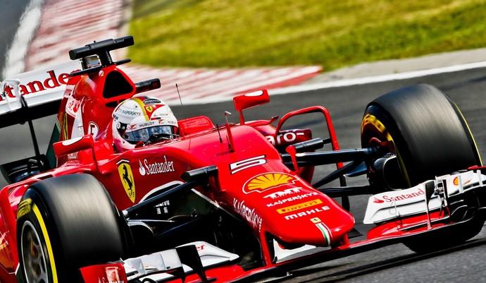 Sebastian Vettel em ação com a Ferrari no treino deste sábado para GP da Hungria (Foto: EFE)