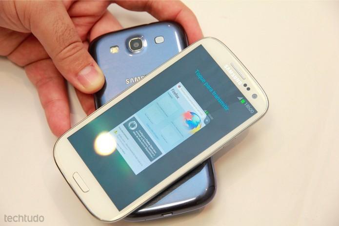Galaxy S3 vem com processador quad-core com 1 GB de memória RAM (Foto: Allan Melo/TechTudo)