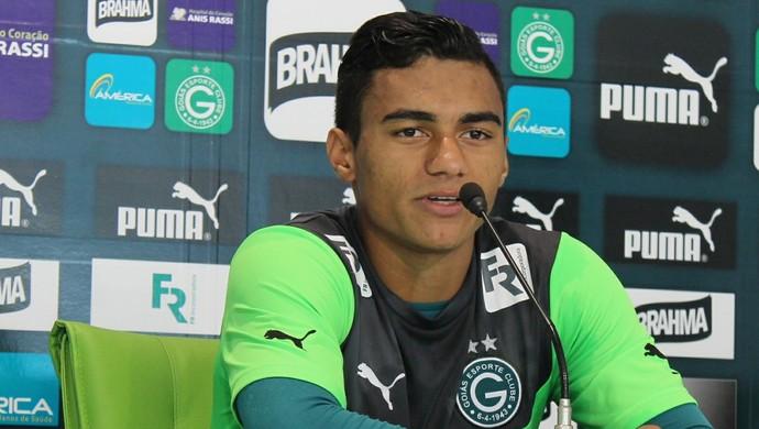 Murilo - meia Goiás (Foto: Fernando Vasconcelos / Globoesporte.com)