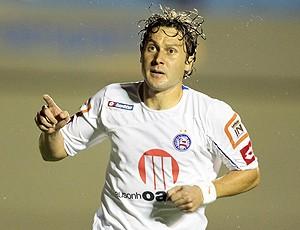 Rodrigo Gral comemora gol do Bahia (Foto: Ag. Estado)