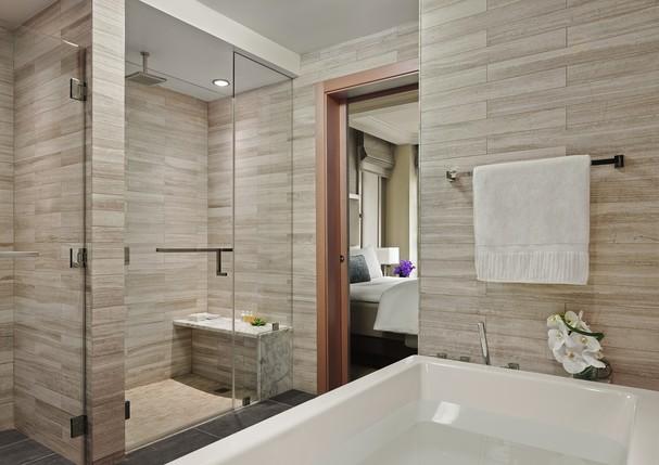 Banheiro Suite Hotel The Quin (Foto: divulga)